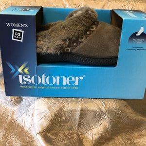 Women's Isotoner Slippers Size Lg 8.5-9
